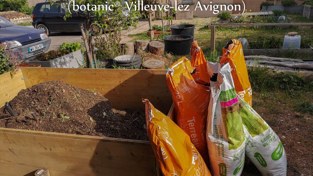 Don de terreau botanic@ - jardin urbain du Pébrier - Rochefort du Gard